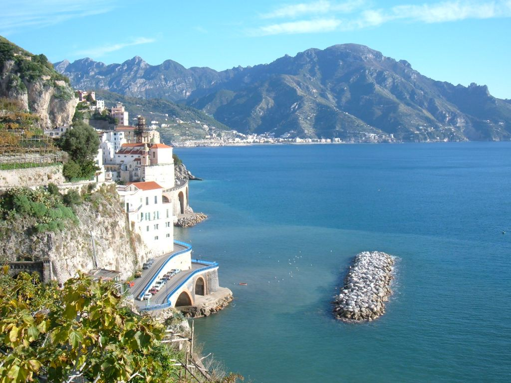how to go to amalfi coast from rome